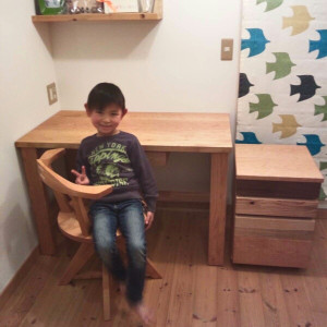 New_desk_with_prince